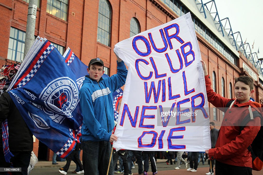 Rangers fans protest against former owne : News Photo