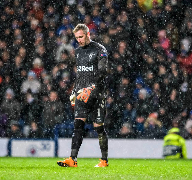 LIGUE EUROPA 2018  - 2019 -2020 - Page 16 Rangers-goalkeeper-allan-mcgregor-in-heavy-rain-during-the-uefa-of-picture-id1202112159?k=6&m=1202112159&s=612x612&w=0&h=t1FySUG8HCnVWahVByygHblWJnVPO5VkeU5vWjMJFFw=
