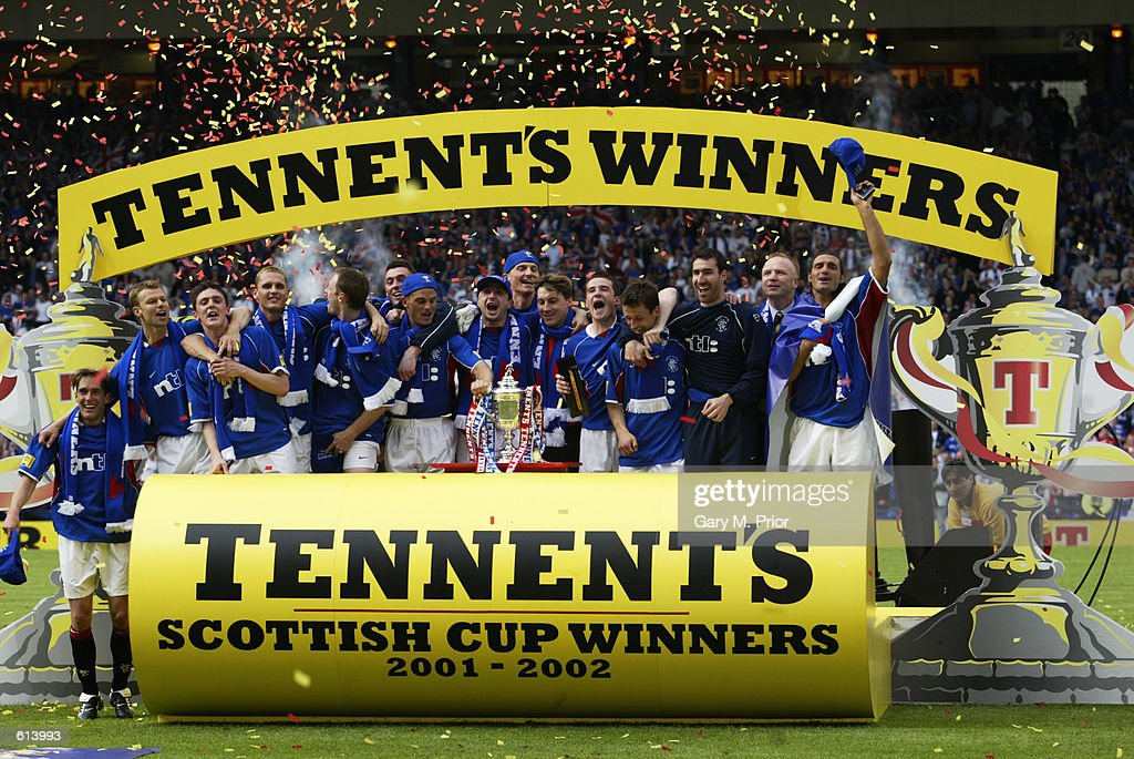 Rangers celebrate victory : News Photo