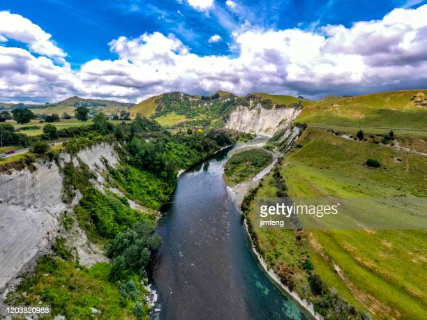 rangitikei river in mangaweka, new zealand. - valley stock pictures, royalty-free photos & images