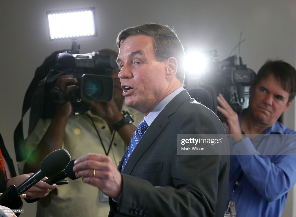 Ranking member Sen. Mark Warner (D-VA), speaks to the media before attending a SenateÊSelectÊCommitteeÊonÊIntelligence closed door meeting at the U.S. Capitol, on May 9, 2017 in Washington, DC. The committee is investigating possible Russian interference in the U.S. presidential election.