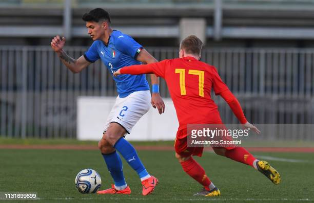 Raoul Bellanova of Italy U19 controls the ball during the UEFA Elite Round match between Italy U19 and Belgium U19 at Stadio Euganeo on March 20 2019...