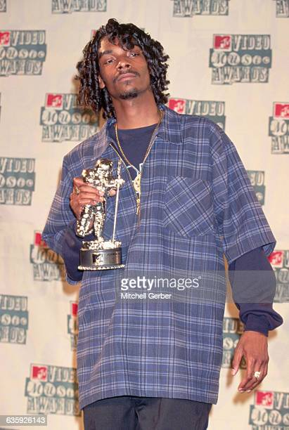 Rap artist Snoop Doggy Dogg holds an award received at the 1994 MTV Video Music Awards at Radio City Music Hall