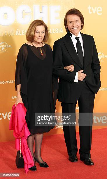 Raphael and Natalia Figueroa attend 'Mi Gran Noche' premiere at Kinepolis cinema on October 20 2015 in Madrid Spain