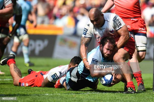Raphael Carbou of Perpignan scores his try during the French Pro D2 Final match between Perpignan and Grenoble on May 6, 2018 in Toulouse, France.