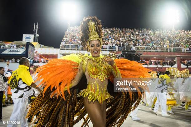 Raphaella Gomes dances during Sao Clemente performance at the Rio de Janeiro Carnival at Sambodromo on February 27 2017 in Rio de Janeiro Brazil