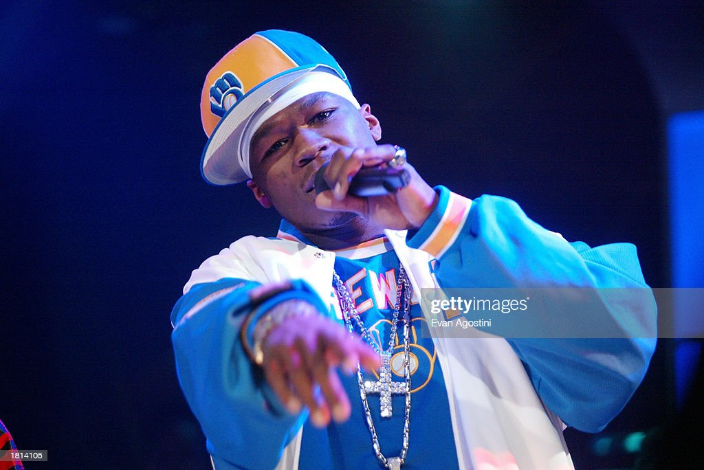 Rapper 50 Cent performs on MTV's Direct Effect  : News Photo