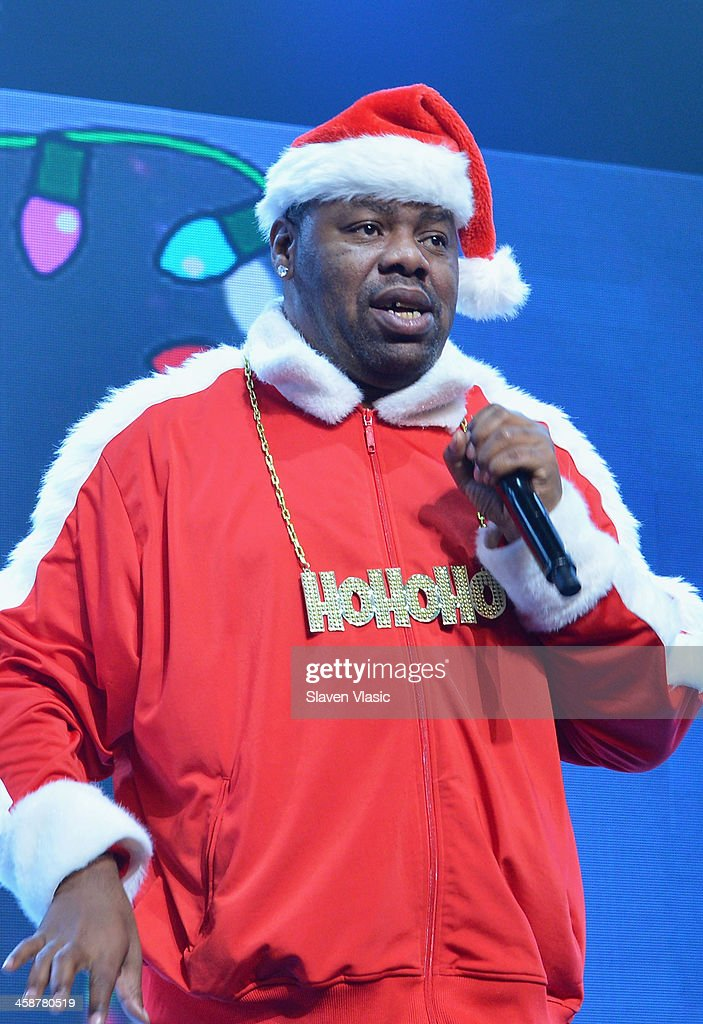 Rapper Biz Markie performs at 'Yo Gabba Gabba! Live!' at The Beacon Theatre on December 21, 2013 in New York City.