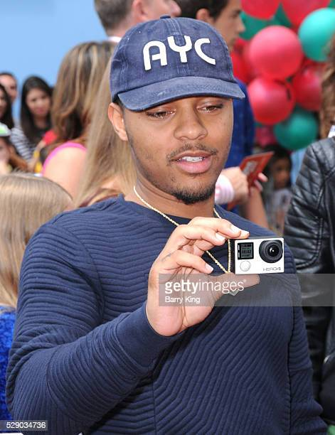 Rapper Bow Wow aka Shad Gregory Moss attends the premiere of Sony Pictures' 'Angry Birds' at Regency Village Theatre on May 7 2016 in Westwood...