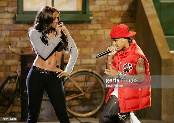 Rapper Bow Wow and singer Ciara perform onstage during the 2005 American Music Awards held at the Shrine Auditorium on November 22 2005 in Los...