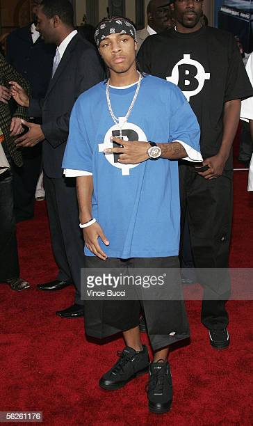 Rapper Bow Wow arrives at the 2005 American Music Awards held at the Shrine Auditorium on November 22 2005 in Los Angeles California