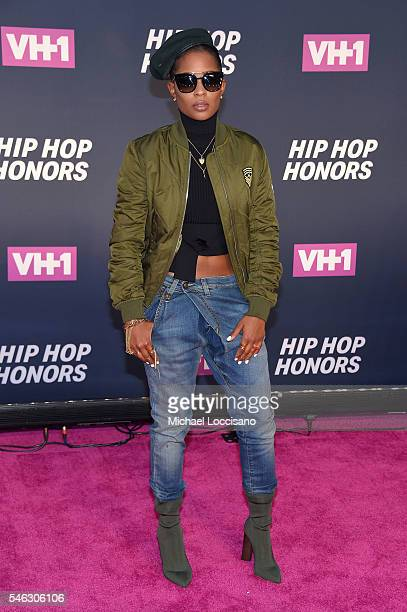 Rapper Dej Loaf attends the VH1 Hip Hop Honors All Hail The Queens at David Geffen Hall on July 11 2016 in New York City