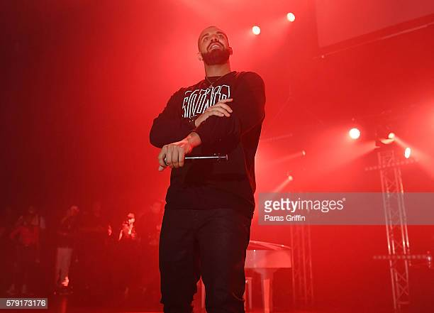 Rapper Drake performs on stage at Gucci and Friends Homecoming Concert at Fox Theatre on July 22 2016 in Atlanta Georgia