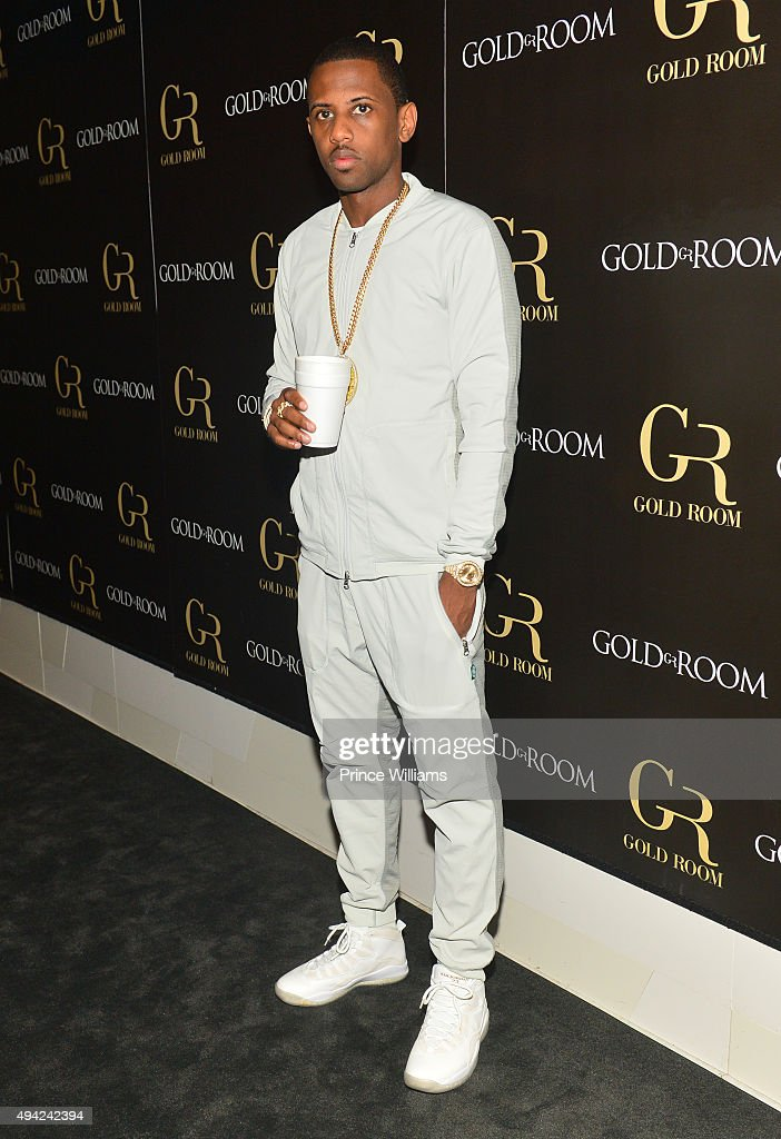 Fabolous Host Gold Room