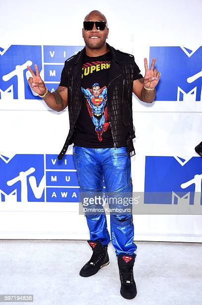 Rapper Flo Rida attends the 2016 MTV Video Music Awards at Madison Square Garden on August 28 2016 in New York City
