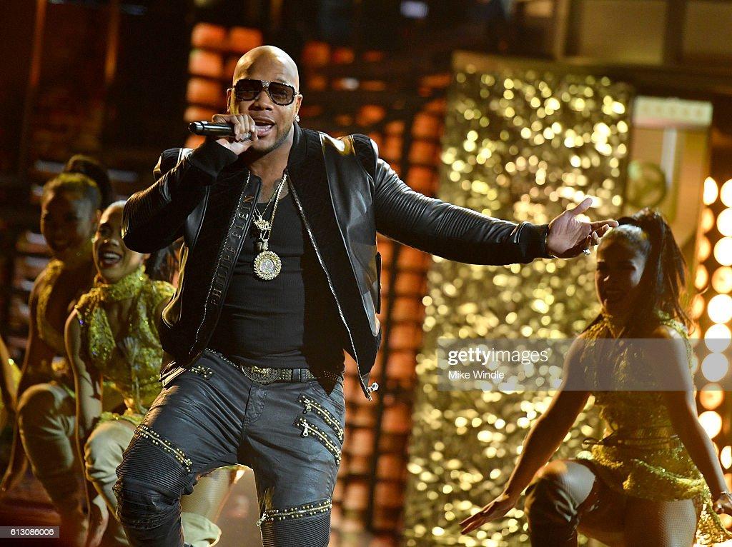 2016 Latin American Music Awards - Show