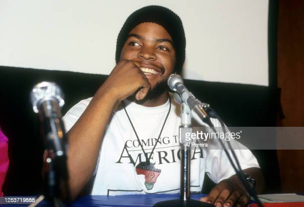 Rapper Ice Cube appears at a press conference to introduce rapper Yo-Yo on December 4, 1990 in New York City. .