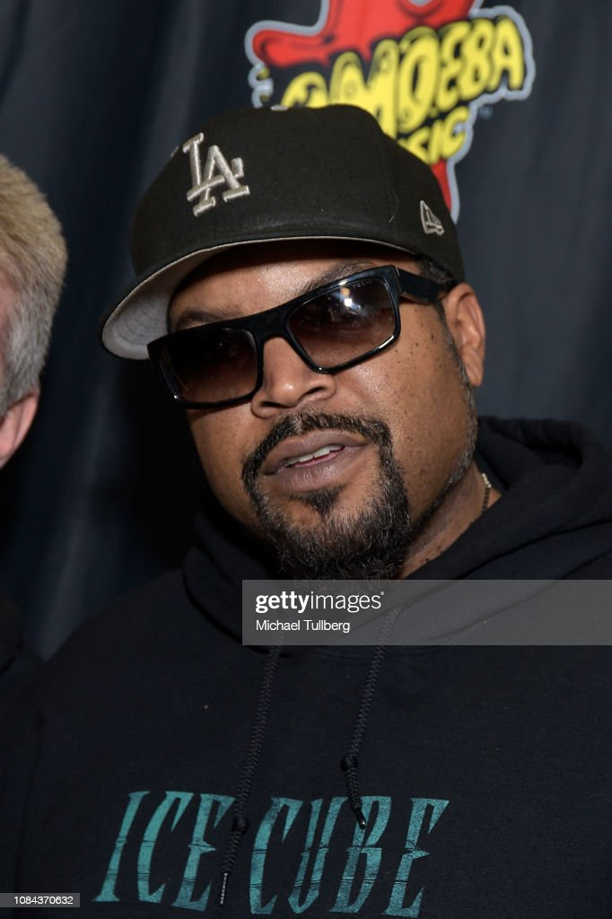 """Rapper Ice Cube Hosts Meet & Greet For His New CD """"Everythangs Corrupt"""" : News Photo"""
