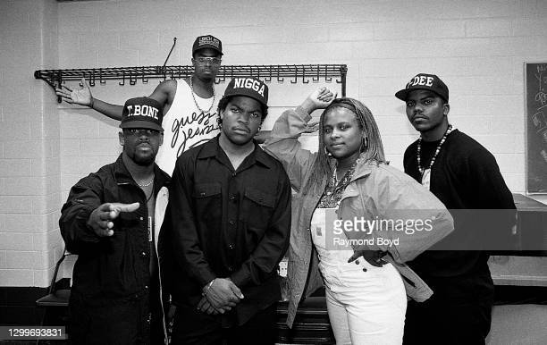 Rapper Ice Cube poses for photos with Da Lench Mob group members, rappers T Bone, Yo-Yo, J-Dee and deejay Sir Jinx backstage at The Arena in St....
