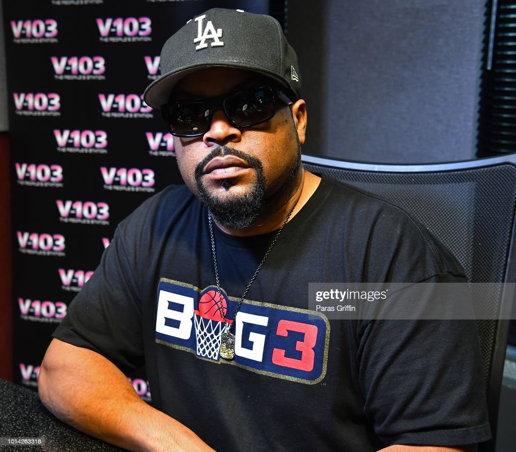 Ice Cube Visits V-103 Big Tigger's Afternoon Show : News Photo