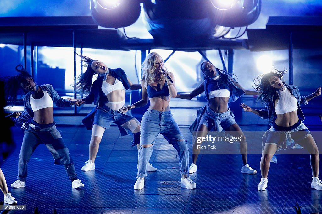 iHeartRadio Music Awards - Show : News Photo