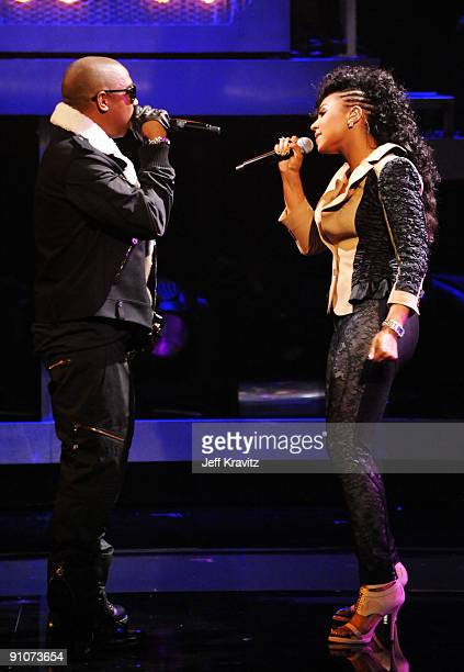 Rapper Ja Rule and Singer Ashanti performs onstage at the 2009 VH1 Hip Hop Honors at the Brooklyn Academy of Music on September 23 2009 in the...