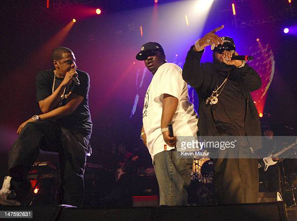 Rapper JayZ Rapper Beanie Sigel and Rapper Freeway perform at Hammerstein Ballroom on November 11 2007 in New York City **Exclusive**