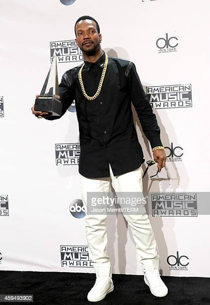 Rapper Juicy J cowinner of Single of the Year for 'Dark Horse' poses in the press room at the 2014 American Music Awards at Nokia Theatre LA Live on...