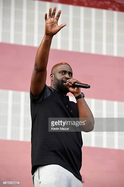 Rapper Kelvin Mercer of De La Soul performs onstage during the 2015 Budweiser Made in America Festival at Benjamin Franklin Parkway on September 5...