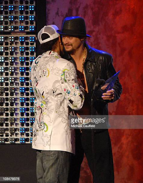 Rapper Layzie Bone of Bone ThugsNHarmony and Singer Kid Rock on stage at the 2007 American Music Awards at the Nokia Theatre on November 18 2007 in...