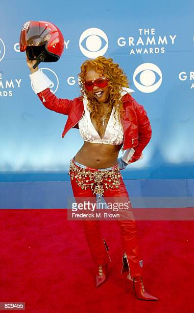 Rapper Lil'' Kim attends the 44th Annual Grammy Awards at Staples Center February 27 2002 in Los Angeles CA