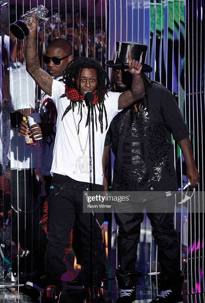 Rapper Lil Wayne Accepts The Best Hip Hop Video Award For Lollipop News Photo Getty Images