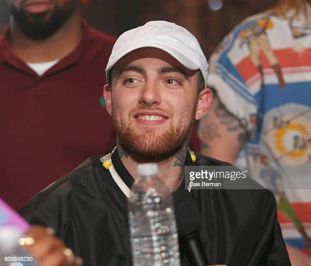 Rapper Mac Miller performs onstage at MTV's 'Wonderland' LIVE Show on September 22 2016 in Los Angeles California