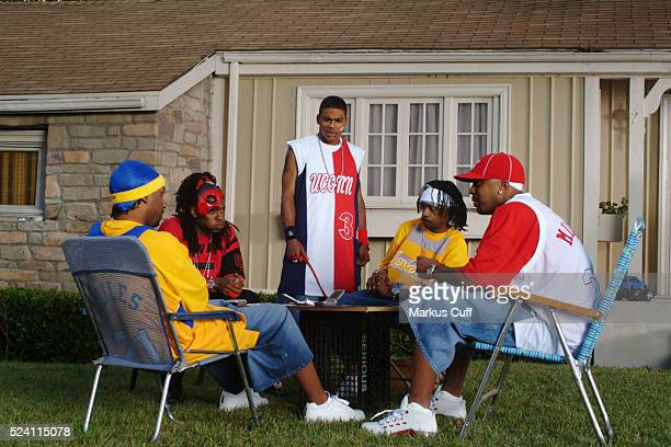 """Rapper Nelly and the St. Lunatics on the Universal Studios set during the filming of the video for the single """"Dilemma."""""""