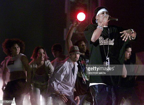 Rapper Nelly performs during the 44th Annual Grammy Awards at the Staples Center in Los Angeles 27 February 2002 AFP PHOTO/Hector MATA