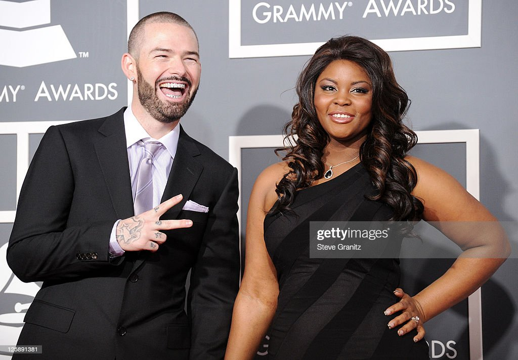 The 53rd Annual GRAMMY Awards - Arrivals : News Photo
