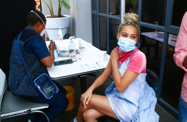 ZAF: South African Rapper Sho Madjozi  Receives Covid-19 vaccine