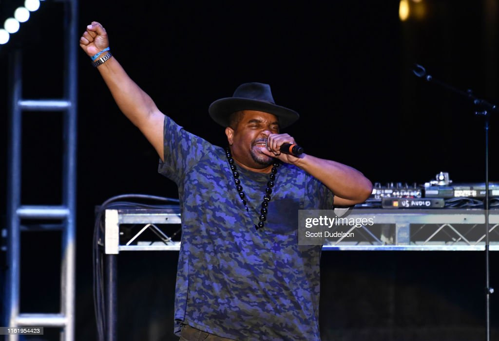 Hammer's House Party At Five Point Amphitheatre : News Photo