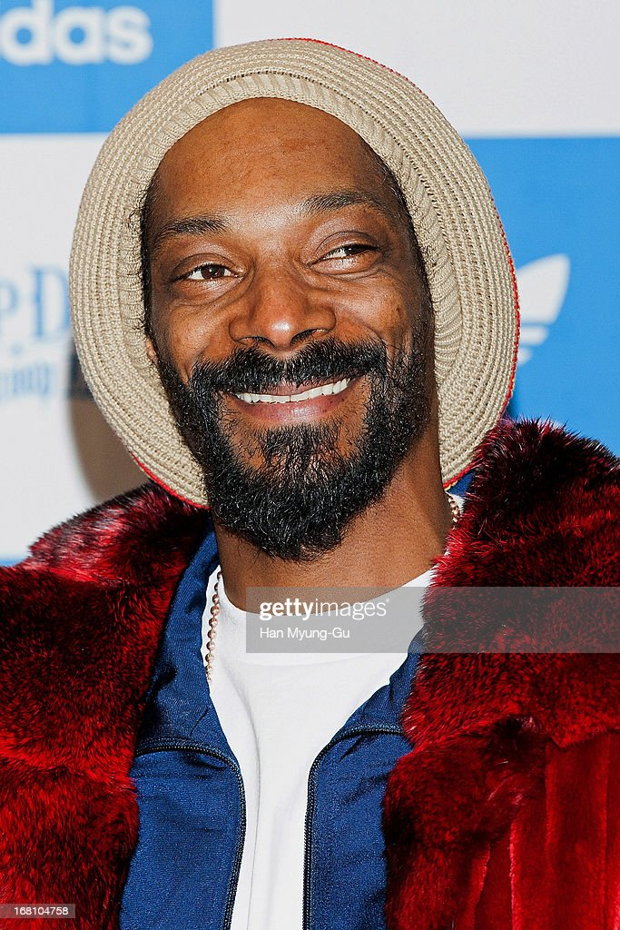 snoop dogg press conference photos and images getty images