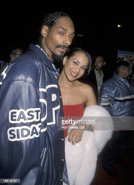 Rapper Snoop Dogg and Lisa Raye attend the premiere of 'Next Friday' on January 11 2000 at the Pacific Cinema Theater in Hollywood California