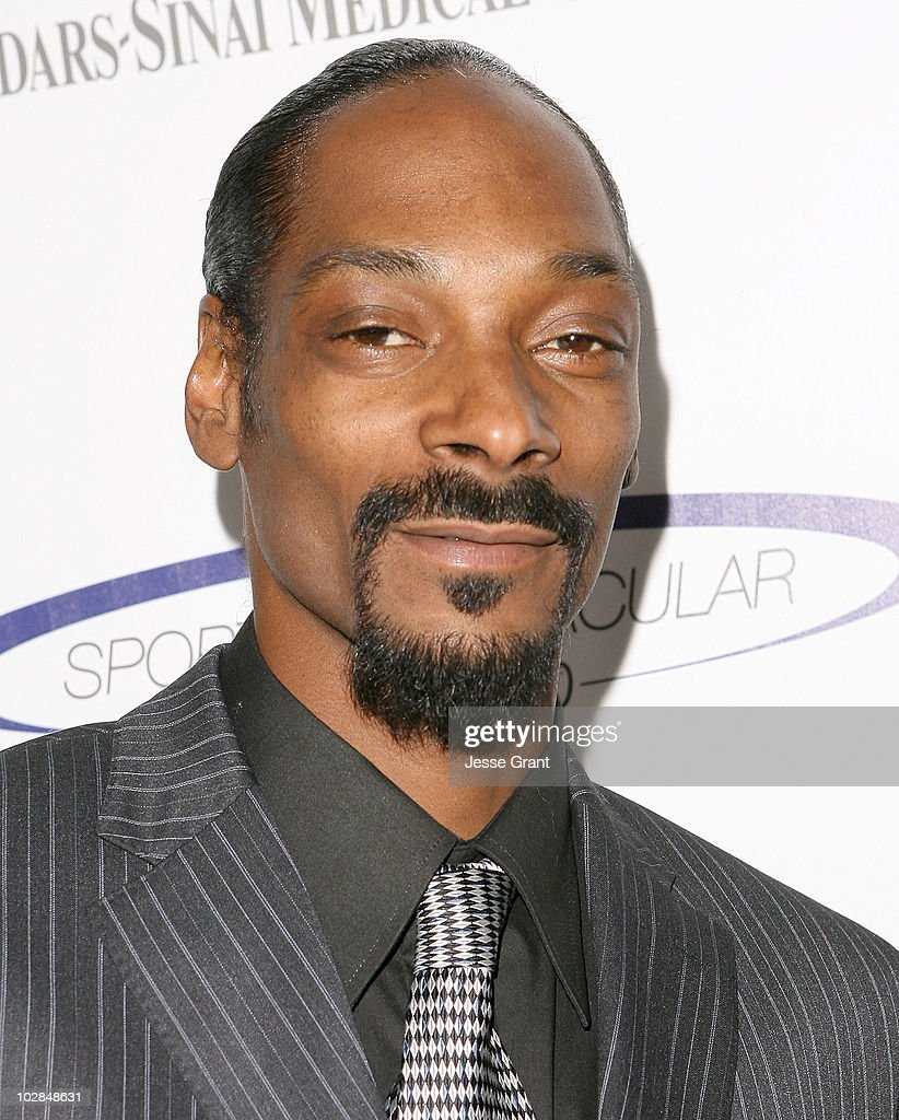 Rapper Snoop Dogg arrives at the 25th anniversary of Cedars-Sinai Sports Spectacular at the Hyatt Regency Century Plaza on May 23, 2010 in Century City, California.