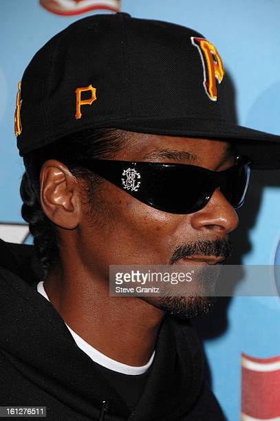 Rapper Snoop Dogg arrives at the taping of Idol Gives Back held at the Kodak Theatre on April 6 2008 in Hollywood California