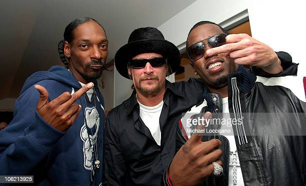 """Rapper Snoop Dogg, musician Kid Rock and Sean """"Diddy"""" Combs attend MTV's TRL """"Total Finale Live"""" at the MTV Studios in Times Square on November 16,..."""