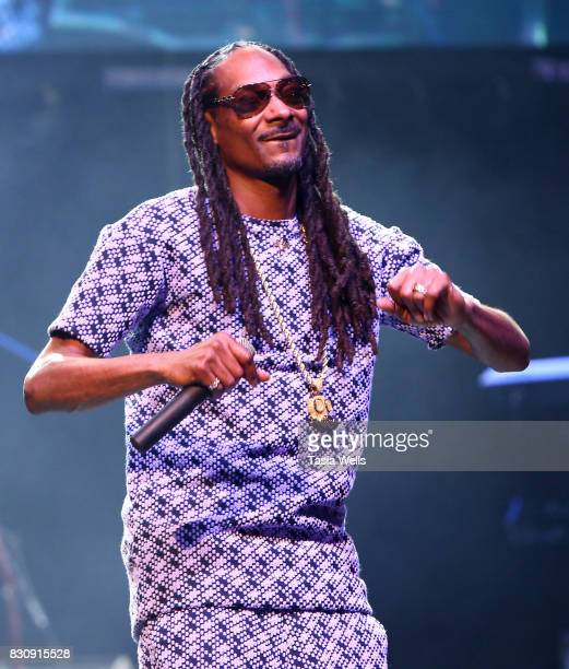 Rapper Snoop Dogg performs onstage at SU Magazine's 17th Anniversary Celebration on August 12 2017 in Hollywood California
