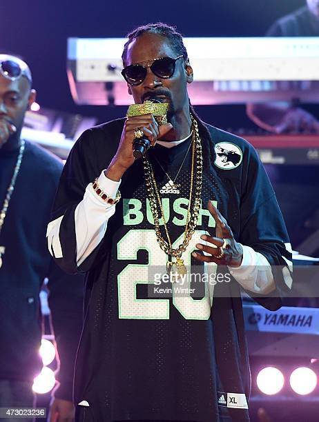 Rapper Snoop Dogg performs onstage during Snoop Dogg Live on the Honda Stage at iHeartRadio Theater on May 11 2015 in Burbank California