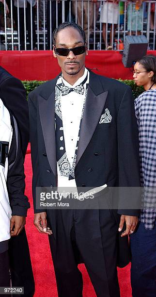 Rapper Snoop Doggy Dogg arrives for the 10th Annual ESPY Awards at the Kodak Theatre on July 10 2002 in Hollywood California