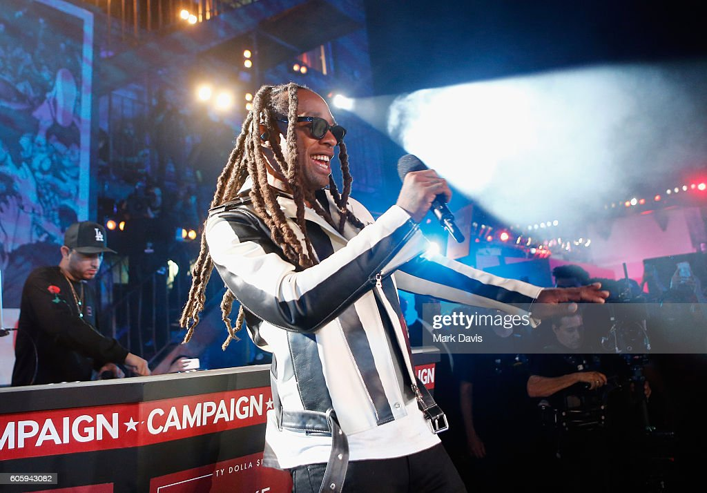 Rapper Ty Dolla Sign performs onstage at MTV's 'Wonderland' LIVE Show on September 15, 2016 in Los Angeles, California.