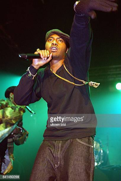 Rapper USAbei einem Konzert im Tor 3 in Düsseldorf