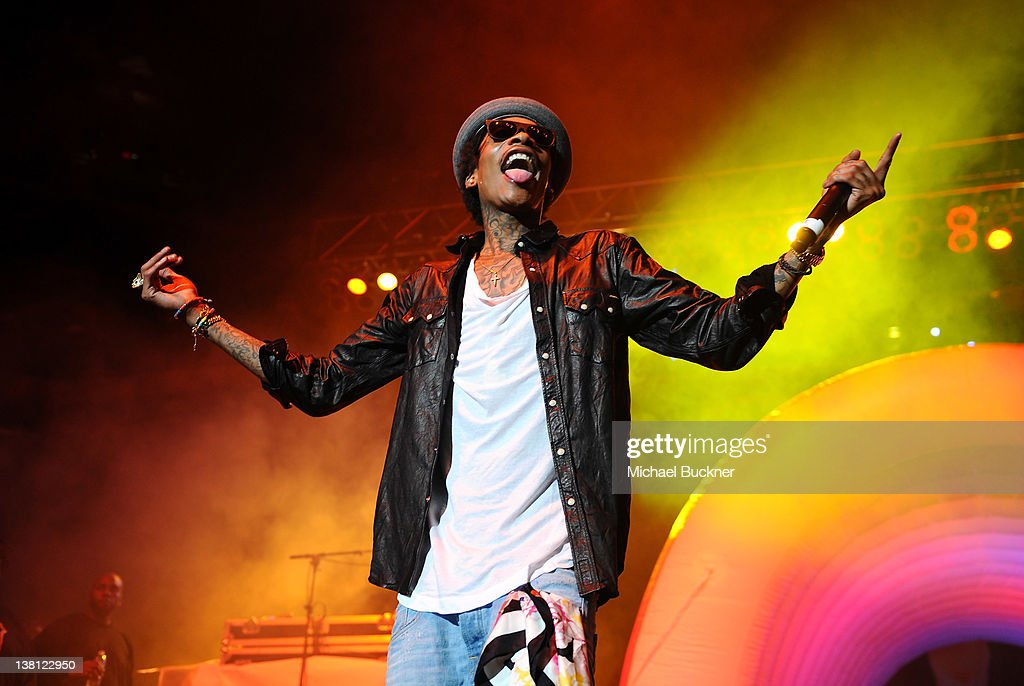 Mike Epps With Snoop Dogg And Wiz Khalifa In Concert : News Photo