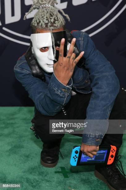 Rapper XXXTentacion attends the BET Hip Hop Awards 2017 at The Fillmore Miami Beach at the Jackie Gleason Theater on October 6 2017 in Miami Beach...